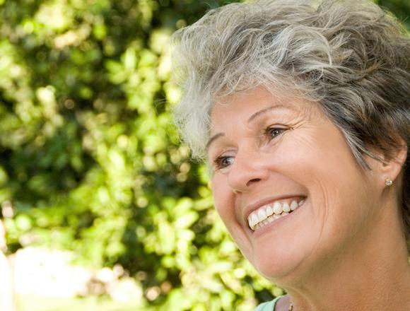 Dentist in Storm Lake   Optimal Gum Health for Seniors